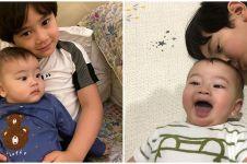 10 Potret kebersamaan Rafathar dan anak Syahnaz, gemasnya dobel