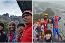 7 Potret sekelompok pemuda mendaki gunung dengan kostum Avengers