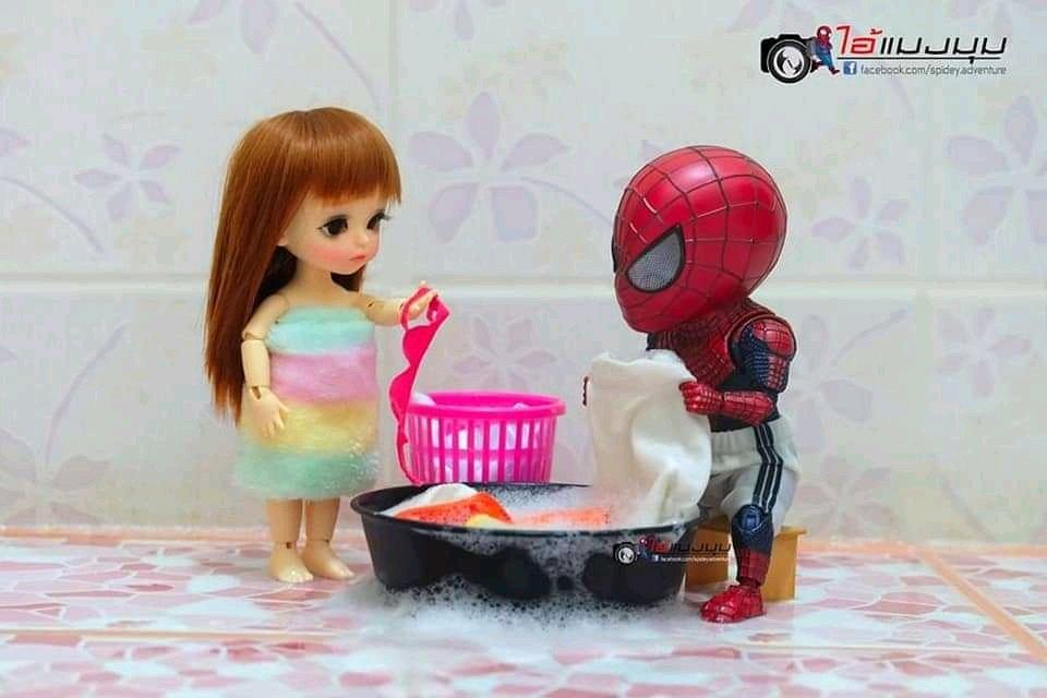 Spider-Man jadi bapak rumah tangga Facebook