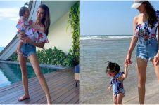6 Potret Farah Quinn kembaran baju bareng putri dan bonekanya
