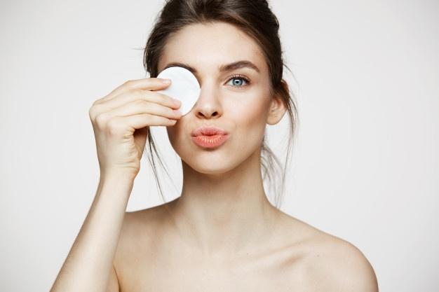 Cara menjaga kelembaban area mata © 2020 brilio.net