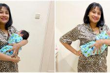 8 Momen Vanessa Angel momong anak tanpa baby sitter, telaten