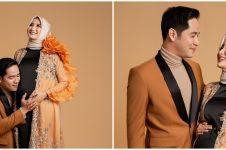 6 Potret maternity shoot Ricky Perdana & istri, bernuansa orange