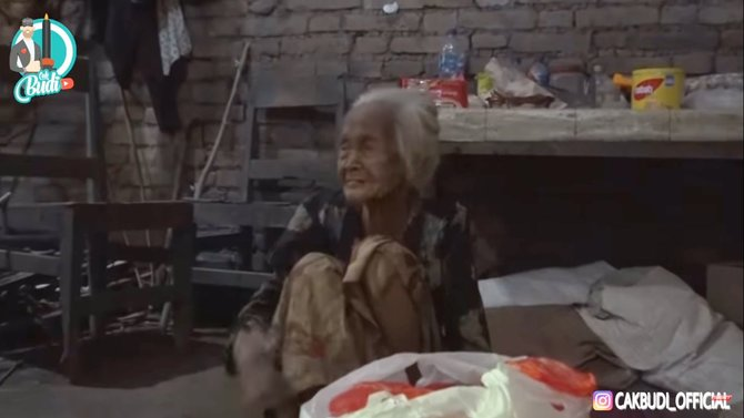 Kisah Mbah Saminem, tukang pijat yang pernah dibayar Rp 1000