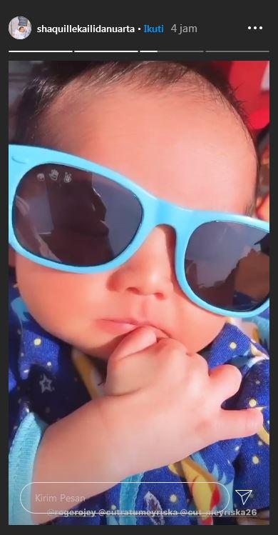Anak Cut Meyriska berjemur  Instagram