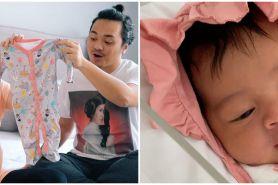 Momen Rianti Cartwright melahirkan anak pertama, menanti 9 tahun