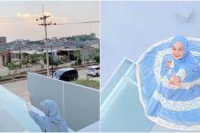 7 Momen Dinda Hauw difoto Rey Mbayang di rooftop rumah, hasilnya kece