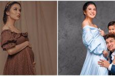 9 Potret maternity Chelsea Olivia dalam berbagai tema, menawan