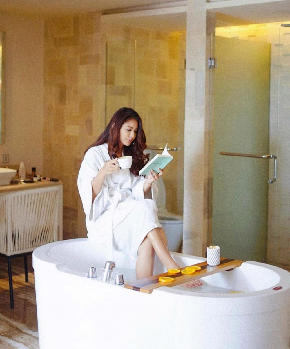 pesinetron bathtub instagram