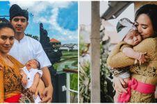 10 Momen upacara sakral Nelu Bulanin baby Kaimano anak Westny DJ