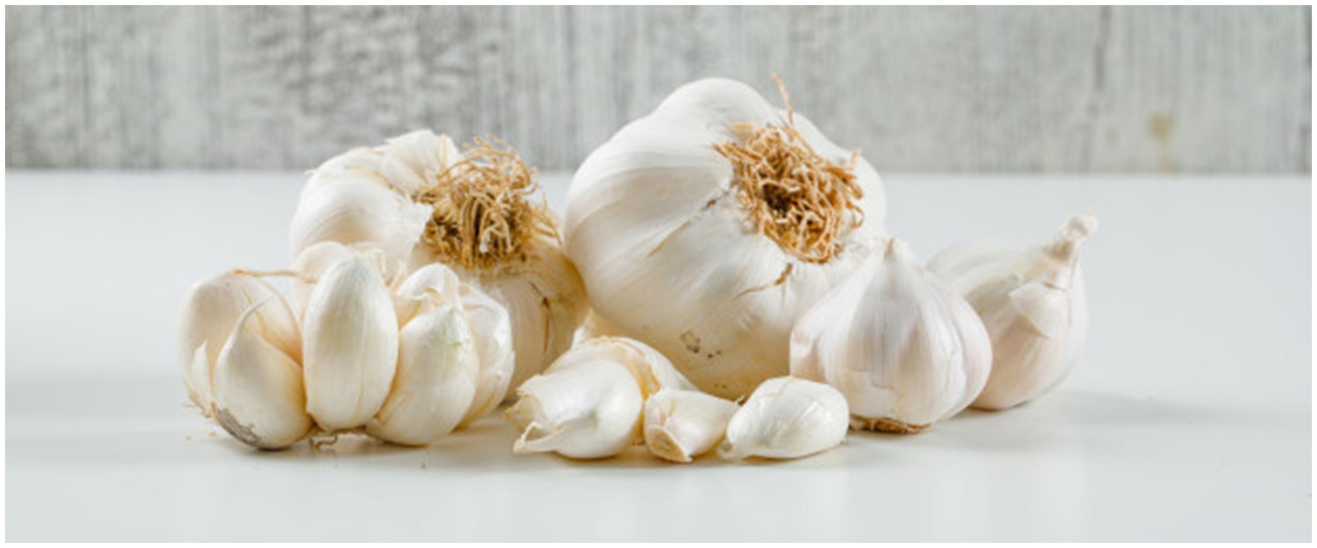 6 Manfaat mengonsumsi bawang putih mentah dan cara hilangkan baunya