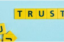 40 Kata-kata keren tentang kepercayaan, kunci kekuatan hubungan