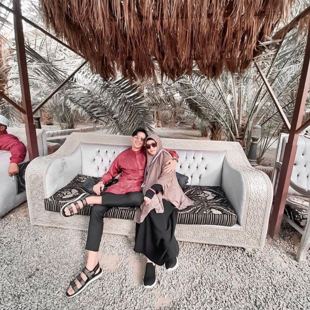 Potret Ninie Mbayang kakak Rey Mbayang  © 2020 Instagram
