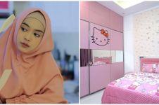 10 Potret kamar Ria Ricis, dekorasinya serba Hello Kitty