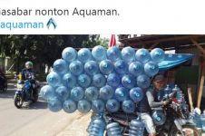 10 Aksi lucu warganet gunakan galon ini bikin geleng kepala