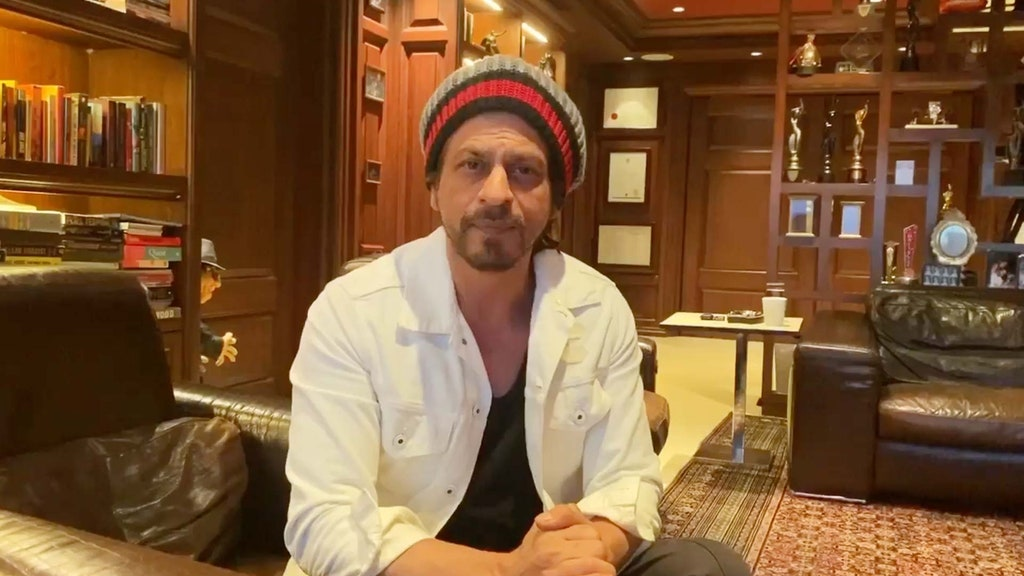 Intip ruang kerja 8 seleb Bollywood, punya Shah Rukh Khan mewah