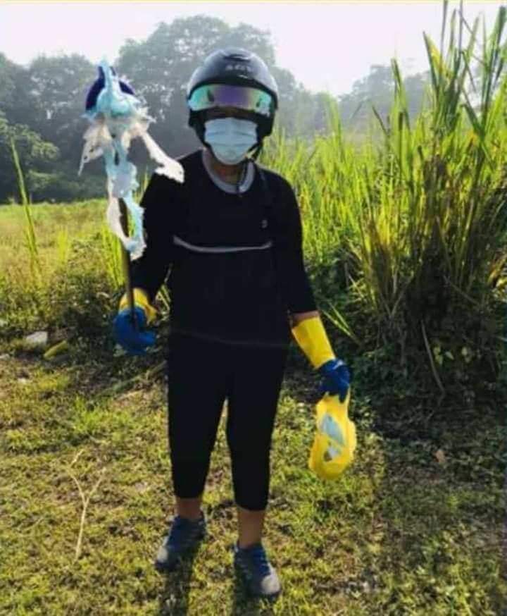 Warga pungut masker © 2020 brilio.net