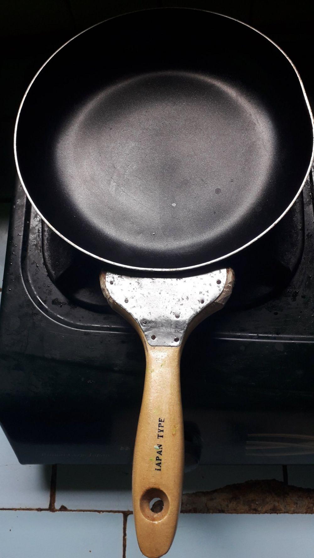 peralatan masak lucu Twitter