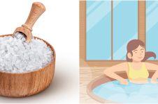 10 Manfaat mandi air garam, dapat mencegah insomnia