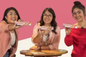 Menikmati kelezatan yogurt dalam sebatang cokelat