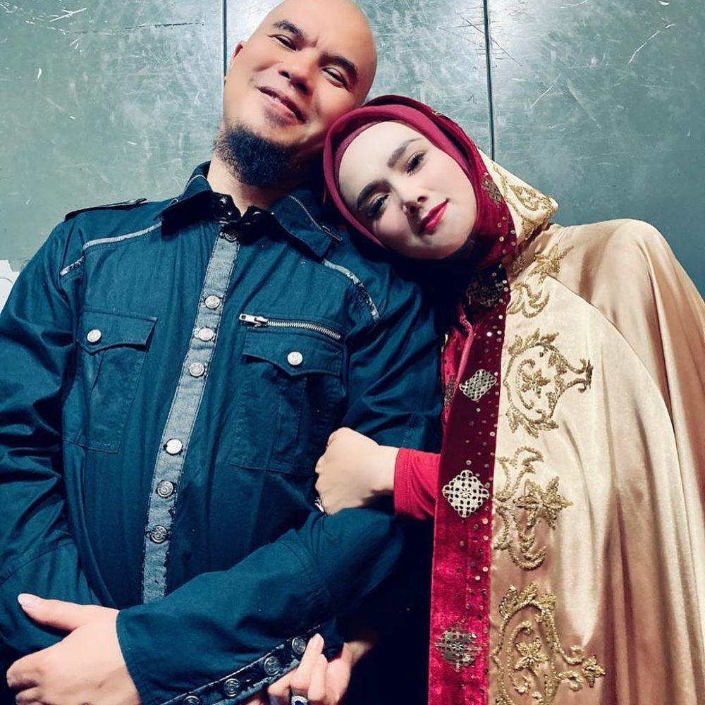 potret mesra Ahmad Dhani & Mulan Jameela © 2020 brilio.net