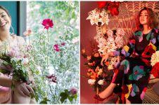 9 Gaya Amanda Manopo pemotretan tema bunga-bunga, bikin gagal fokus