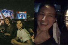 7 Momen seleb nonton konser drive-in pertama di Jakarta, seru abis