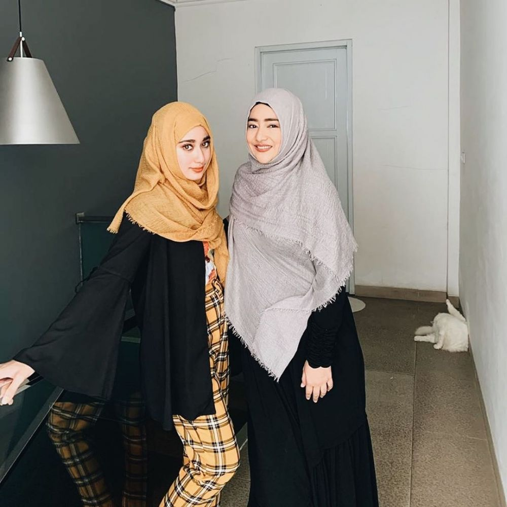 Potret Cindy Fatika Sari & Tengku Syaira © 2020 Instagram/@cindyfatikasari18