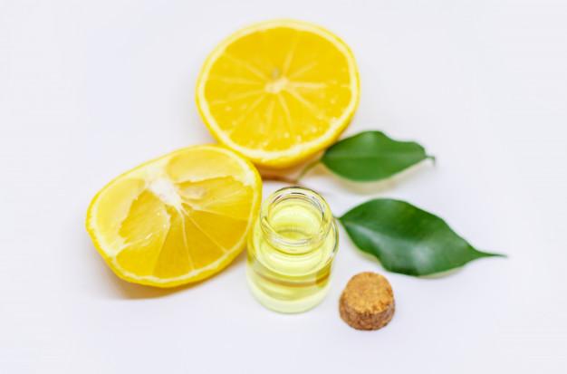Membuat masker lemon © 2020 brilio.net