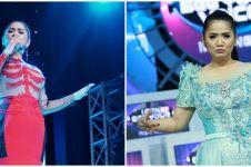10 Potret terbaru Vina Panduwinata pelantun September Ceria, awet muda