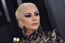 Gaya Lady Gaga tampil di MTV VMA 2020 pakai masker desainer Indonesia