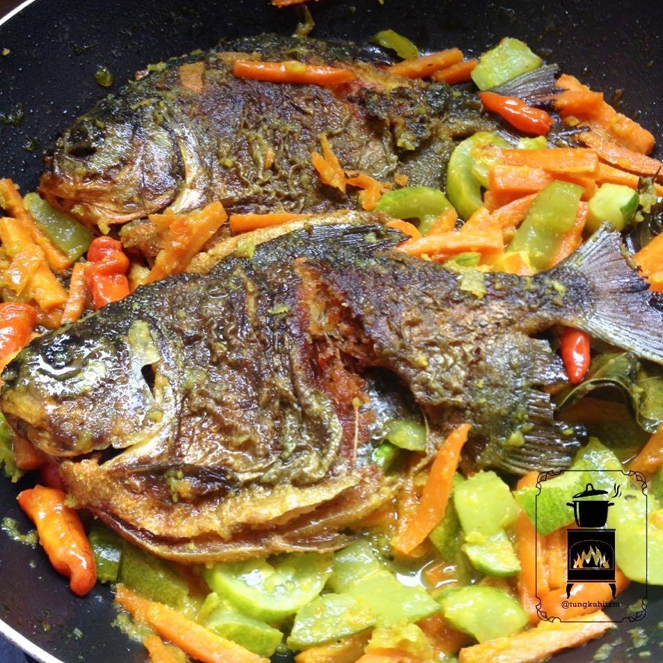 Ikan masak acar © 2020 brilio.net