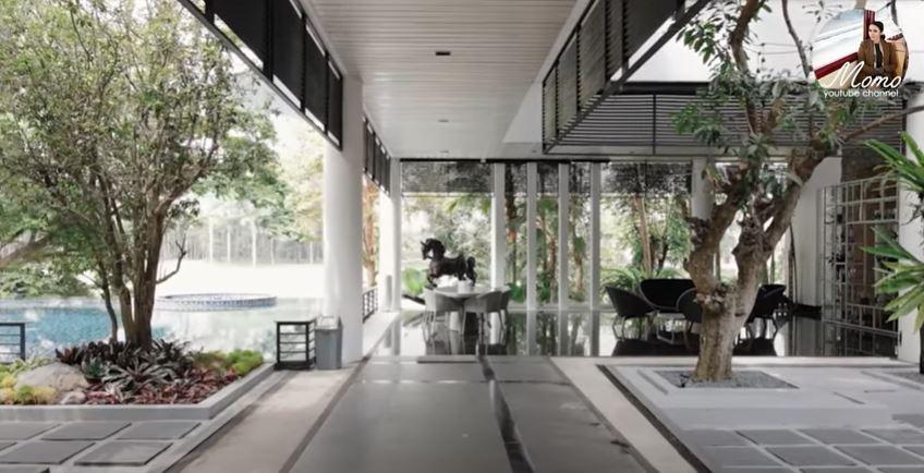Penampakan halaman belakang rumah Momo Geisha © 2020 brilio.net