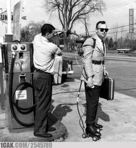 potret lucu kendaraan di pom bensin © 2020 1cak.com