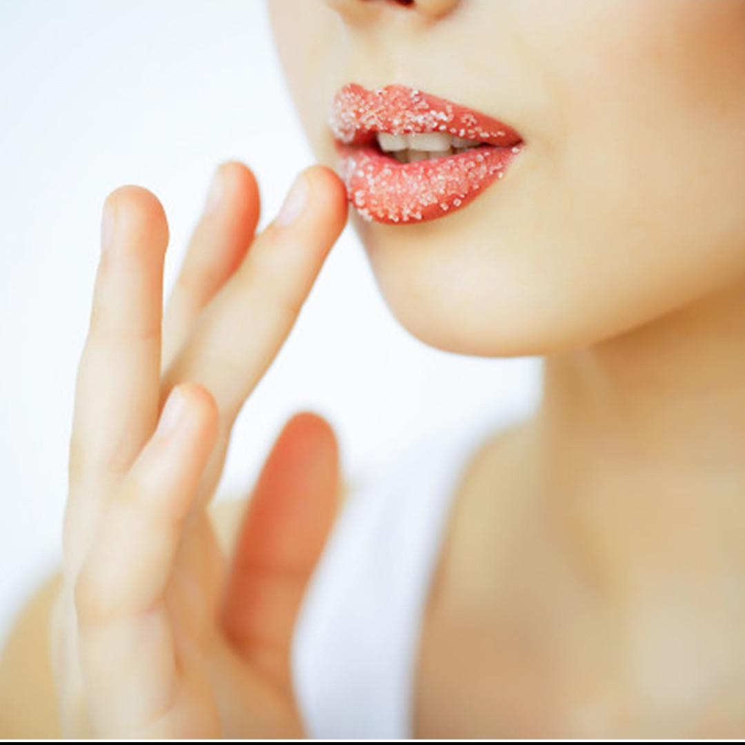 10 Cara membuat scrub bibir dari bahan alami, mudah dan ekonomis