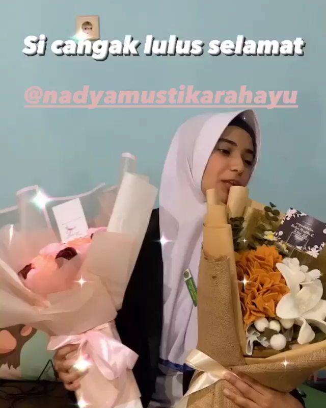 kelulusan Nadya Mustika Instagram
