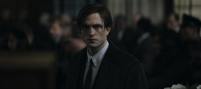 Potret Robert Pattinson Berbagai sumber