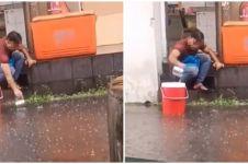 Viral video pekerja restoran ambil air genangan diwadahkan ember