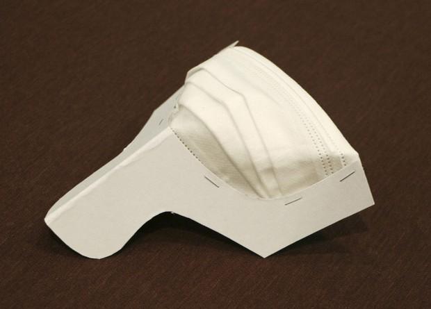 Inovasi baru masker dengan gagang, bentuknya simpel dan unik