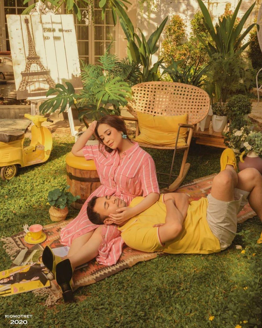 Pasangan duet penyanyi bikin baper  berbagai sumber