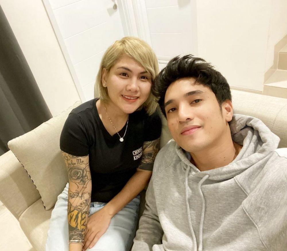 Momen mesra Evelyn dan pacar baru Instagram