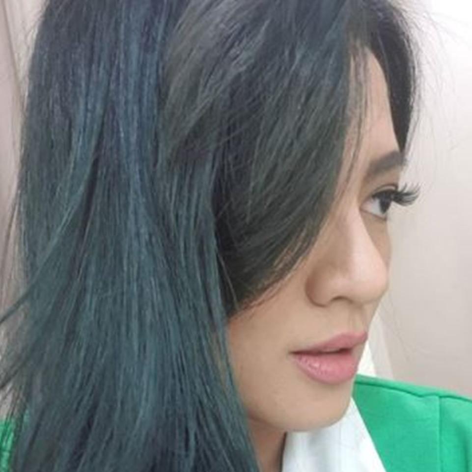 Lama tak ada kabar, ini 7 potret Yeyen Lidya dengan rambut sebahu