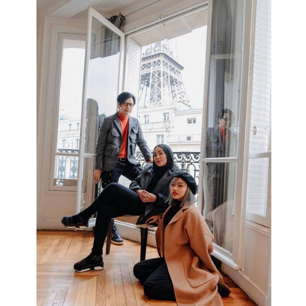 Potret kompak seleb dan anak tunggal Instagram