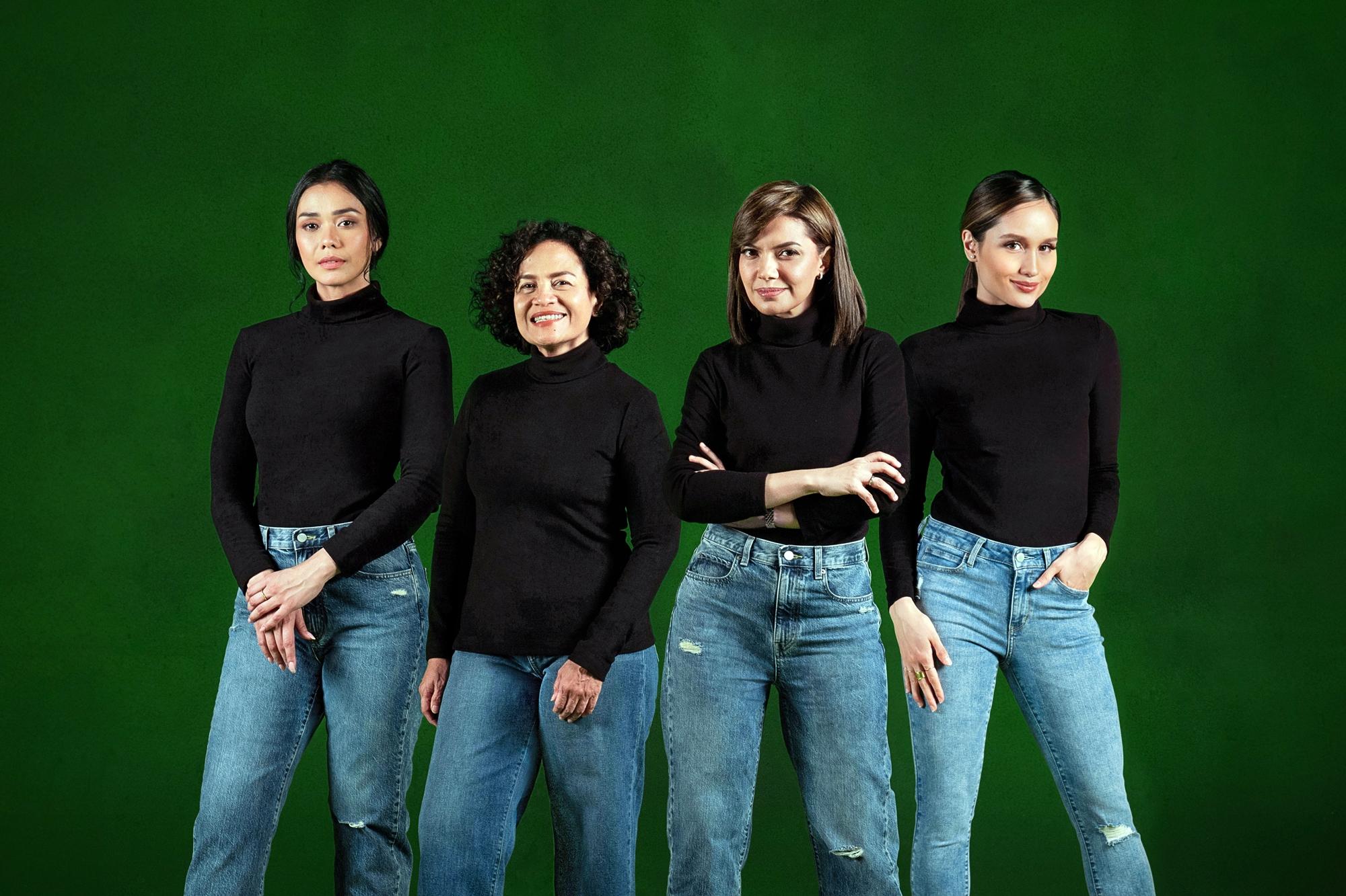 5 Jejak ketangguhan perempuan berpengaruh dalam balutan turtleneck