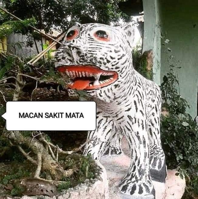 Patung macan absurd Facebook/ Hodi Min'z