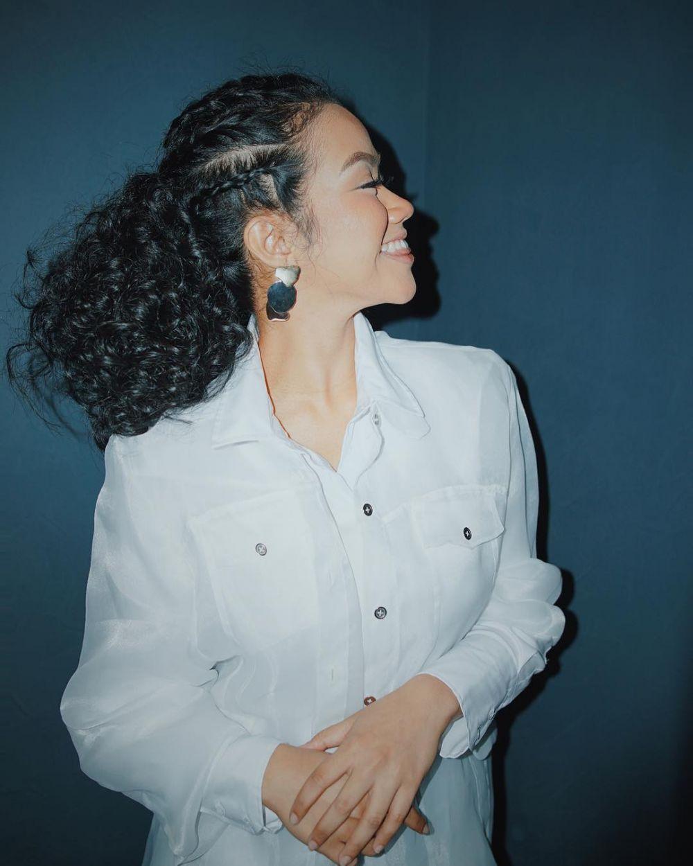 penyanyi wanita dengan rambut cornrows © 2020 brilio.net