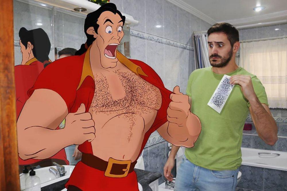 pria bareng karakter Disney © 2020 brilio.net