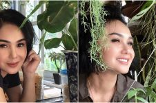 10 Momen Yuni Shara berkebun, gayanya curi perhatian