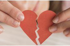 40 Kata-kata bijak tentang cinta tanpa restu, berani hadapi kenyataan