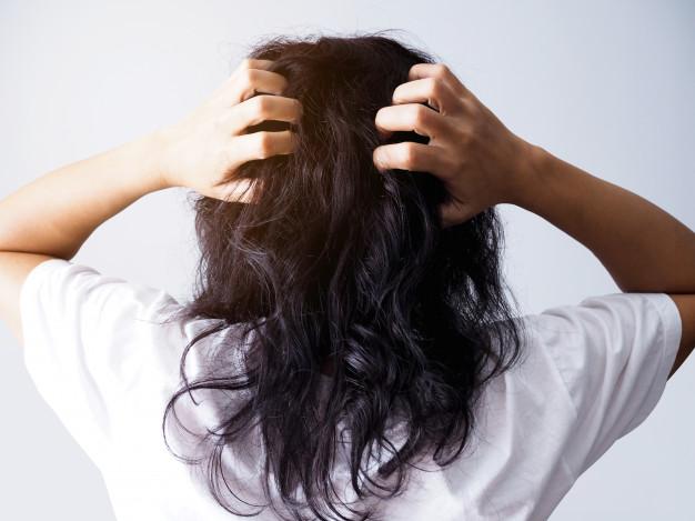minyak kelapa untuk rambut freepik